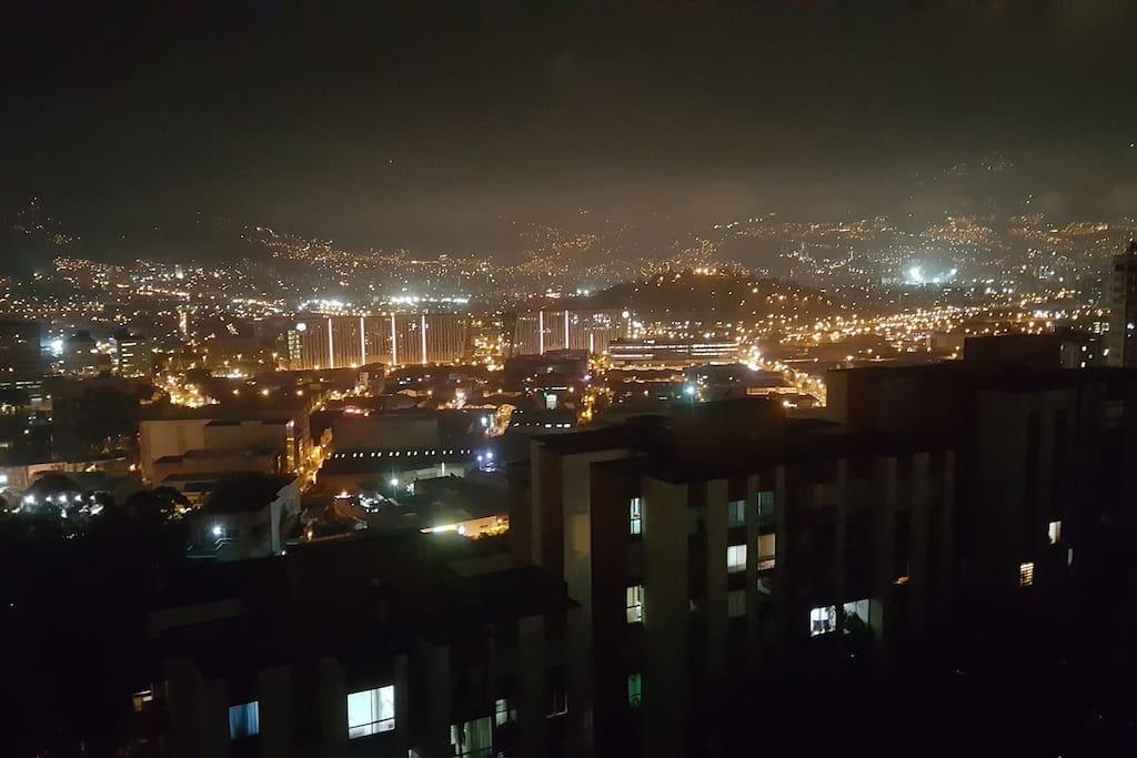 Vista en la noche desde el balcon