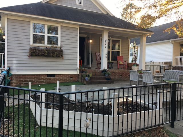 Charming bungalow in the heart of downtown Raleigh