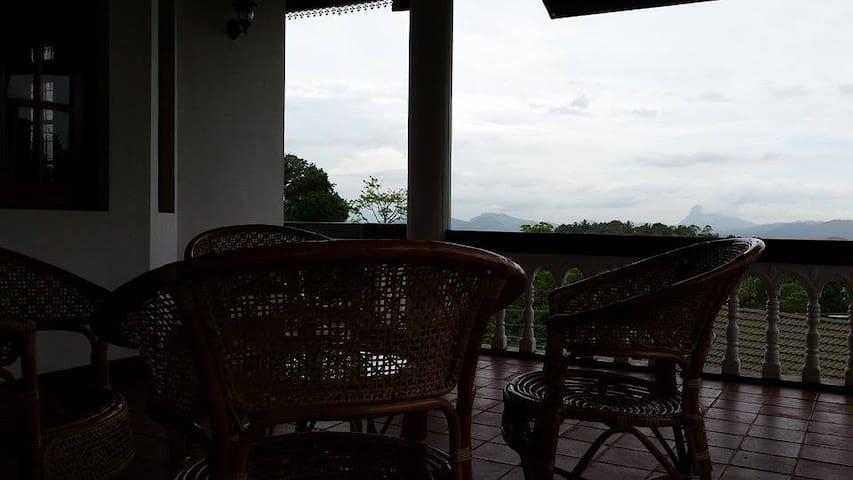 Villa 59 - Homestay - Peradeniya - Dom