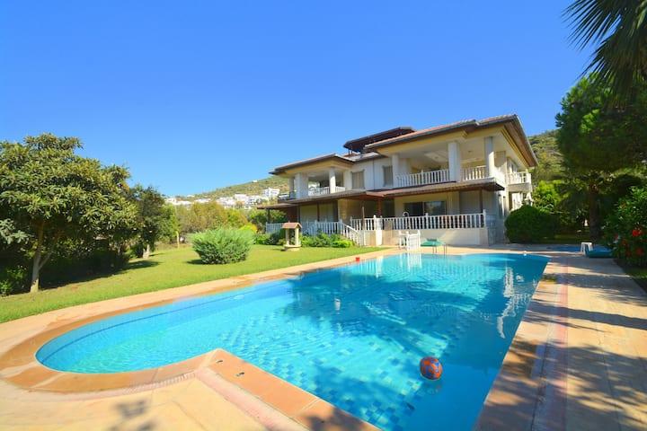 Gulluk, villa appartement met tuinuitzicht