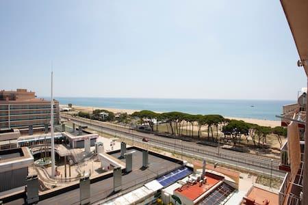 MALGRAT BEACH.II ★ Precioso apartamento cerca de la playa con piscina comunitaria. 4PAX. WI-FI GRATI