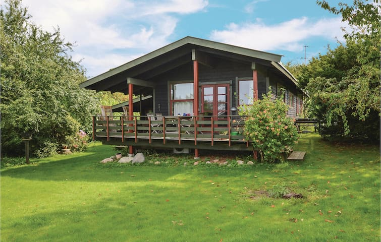 Holiday cottage with 3 bedrooms on 96 m² F3304