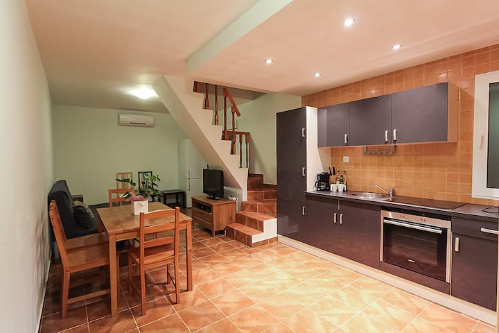 Spacious apartment 80 m2 with WI-FI