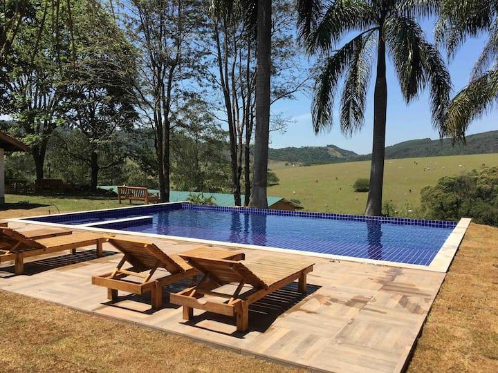 Villa verde, Chalé Orquídea com vista panorâmica.
