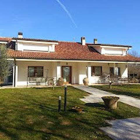 B&B Gli scoiattoli - Montebelluna - Bed & Breakfast