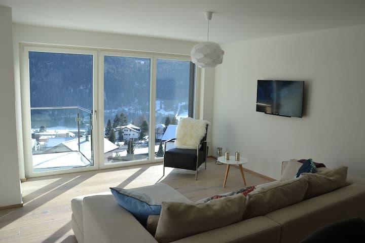 Ferienwohnung PANORAMA LODGE, (Scuol), 4 Personen / 2.5 Zimmer / 1 Schlafraum / 1 Raum zum zuschliessen