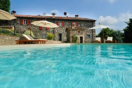 Beautiful Villa in Tuscany - Casino di Terra
