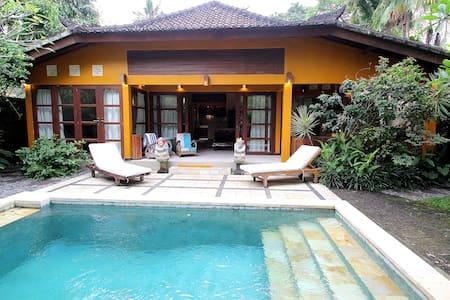 Sweet villa, best 'hood in Ubud!