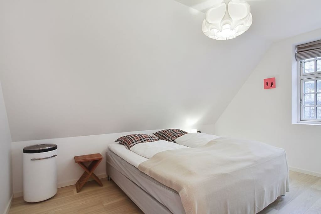 Two rooms with kingsize beds