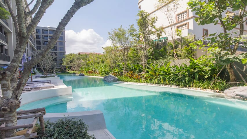 Immaculate New 2 Bedroom Condominium