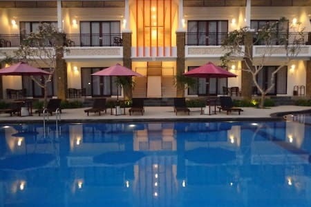 D'Kubu Pratama Home Stay Deluxe - Nusa Dua - Bed & Breakfast