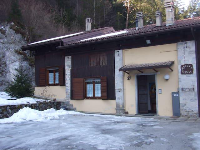Casa Tiarno di Sopra- 7 posti letto