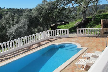 Casa da Tranquilidade with private pool in tranquil setting; with Wifi
