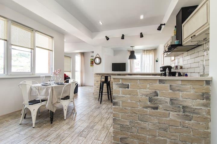 Квартира в стиле Лофт, с отличным видом.