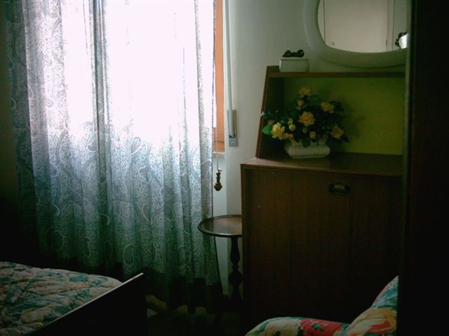 CAMERA MATRIMONIALE - mobile letto