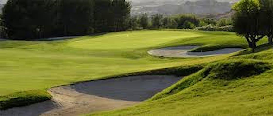 Para amantes del Golf y familias - Altorreal - House