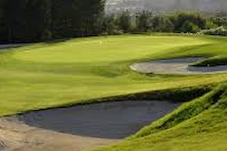 Para amantes del Golf y familias - Altorreal - Dům