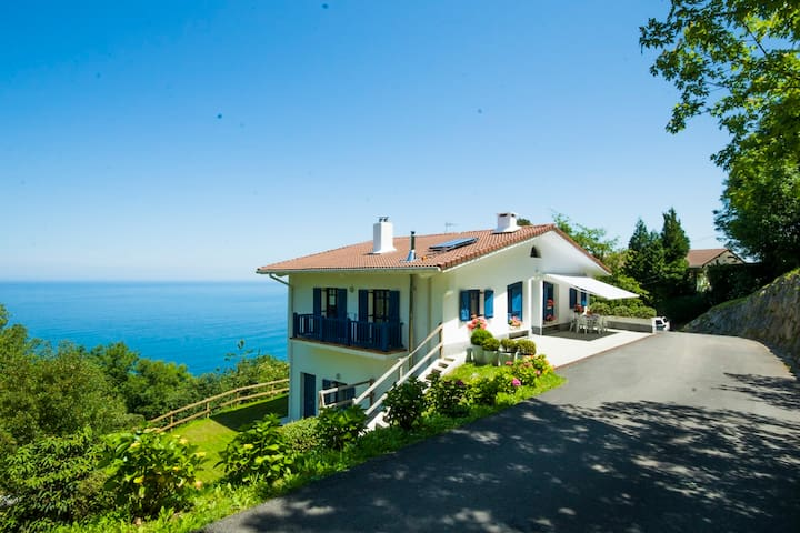 Beautiful basque house. - Getaria - Villa