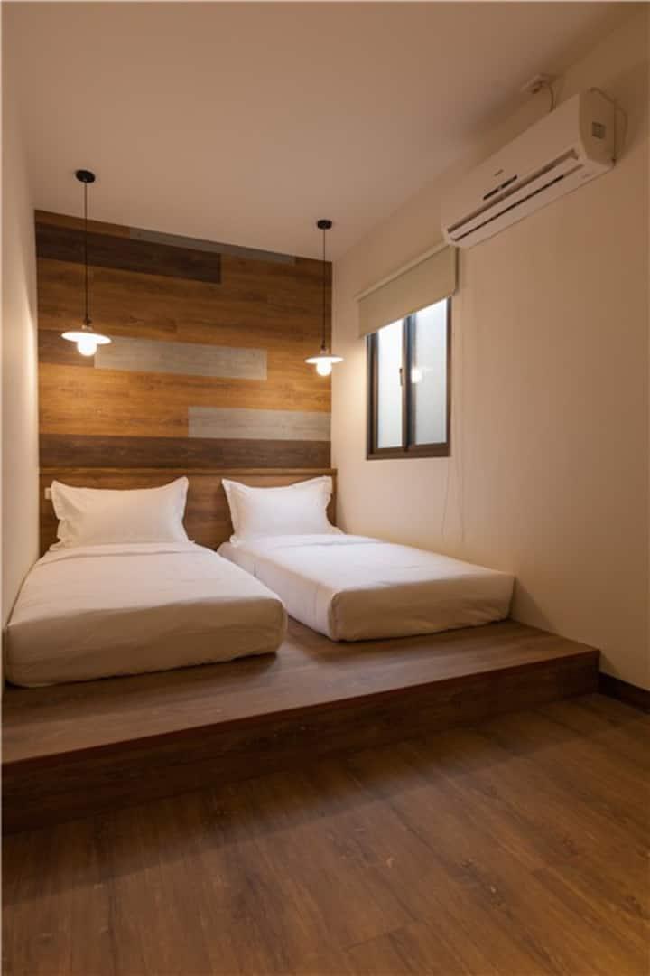 花蓮火車站旁小旅行迷你公寓雙人房twin room