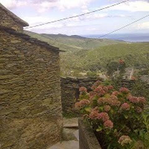 Partie ancienne de la maison, vue mer/Italie