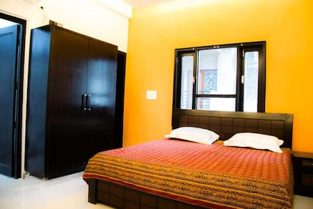 4 rooms B&B in GK1, very green - Neu-Delhi