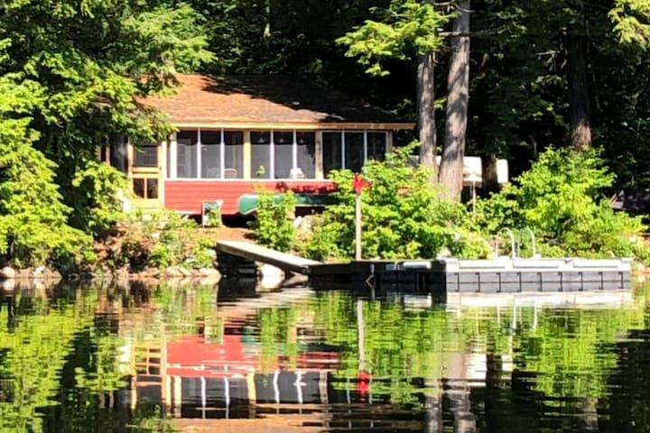 Lakeside Cabin Artist's Retreat