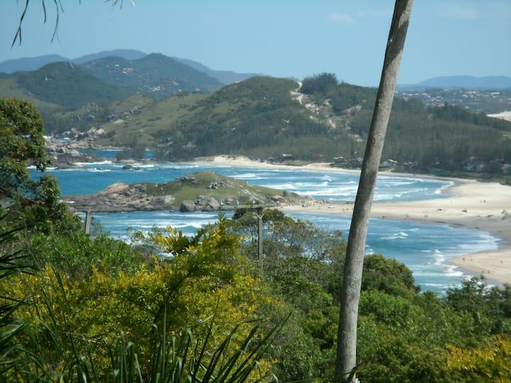 Vista incrível Praia da Ferrugem I