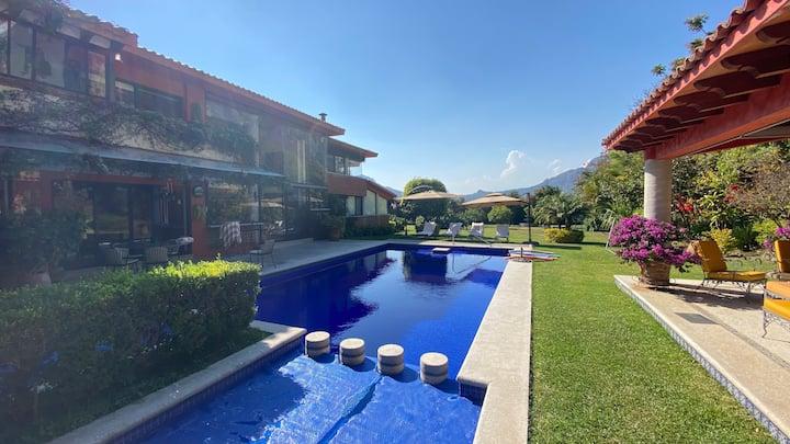 Los Cántaros - Beautiful villa under the mountains