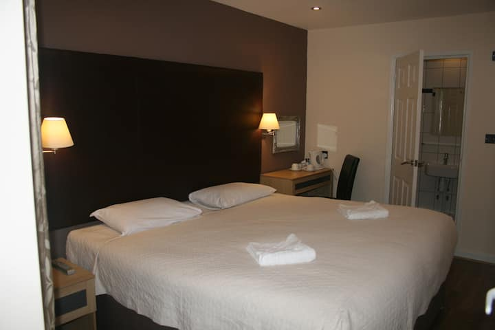 Gatwick Belmont Hotel Double Room