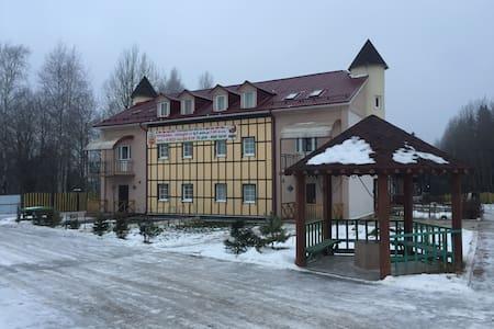 Загородный дом рядом с музеем Хохловка.