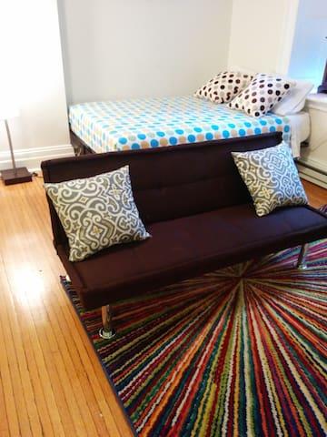 Unique Rittenhouse Studio
