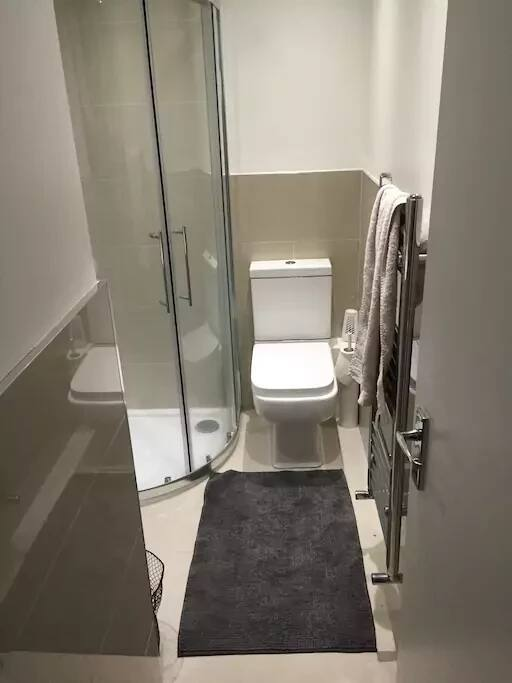 x2 bathrooms
