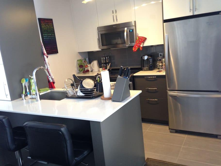 cuisine américaine tte équipée, avec lave vaisselle