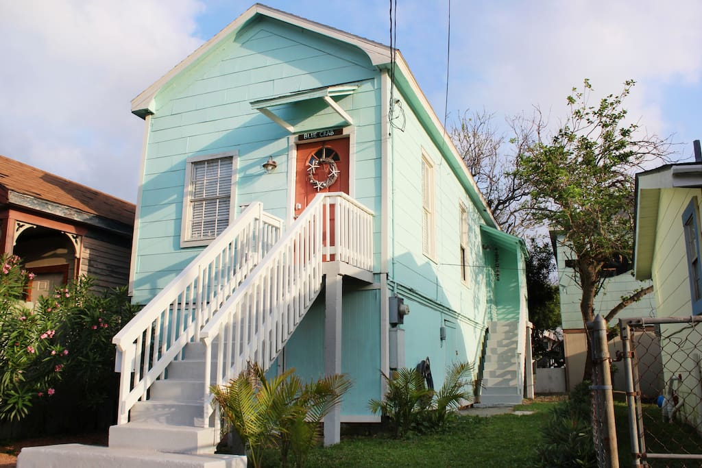 The Blue Crab is located in the historic San Jacinto neighborhood.