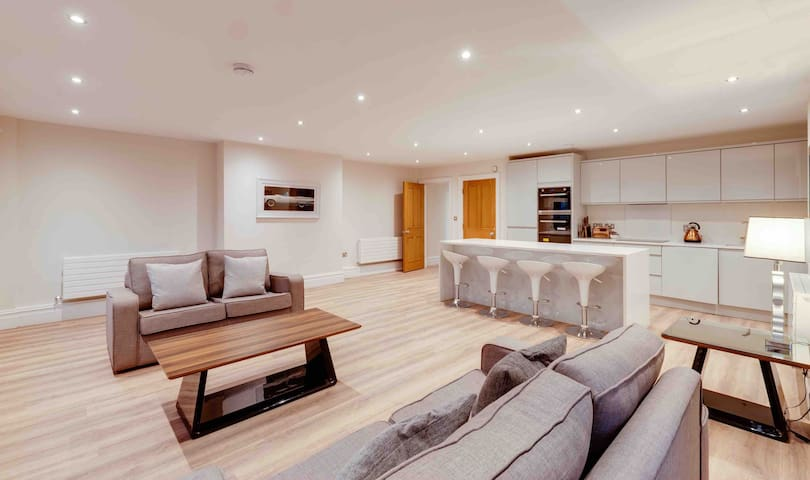 Liverpool Water Street luxurious apartment