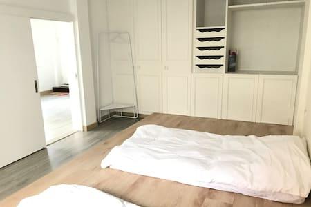 LaiKi無印簡約房型 Simplicity cozy room_市區近車站