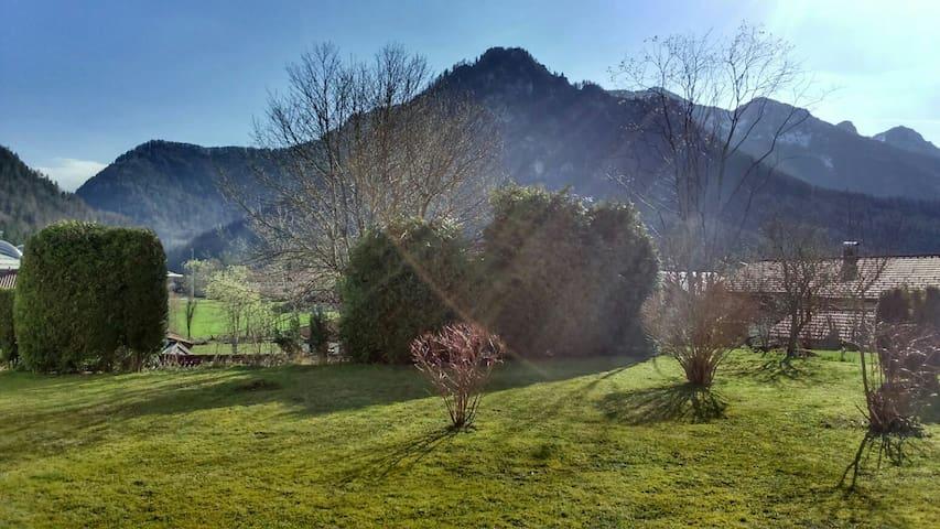 Ruhiges, gemütliches Apartment mit Bergblick - Inzell - Daire