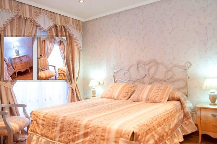 room suite with balcony-salou beach 4