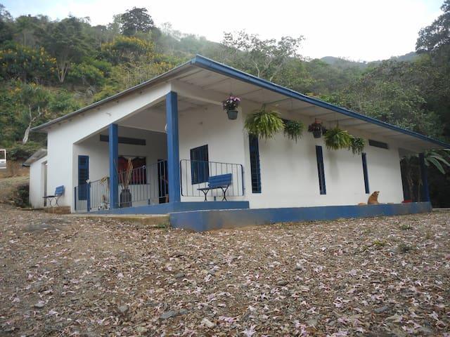MARAVILLOSO TURISMO ECOLOGICO - Pacho - Huis