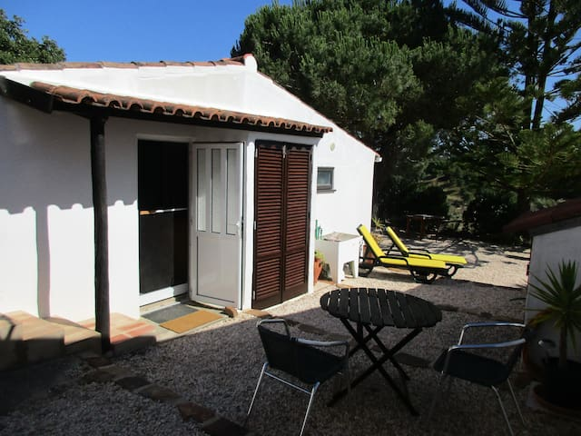 Rural cottage, beautiful location. - Alfambras (between Aljezur/Bordeira) - Apartamento