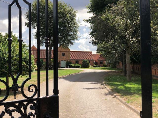 Garden cottage ,Lodge farm.