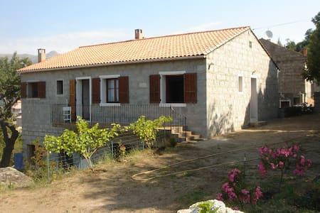 GRANDE MAISON LOCATION A LA SEMAINE - ZONZA - House