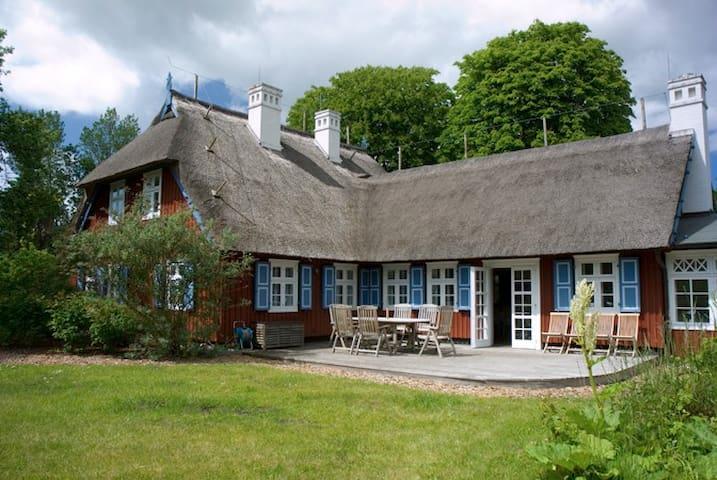 Luxus-Reethaus für 11 Personen · Fischerhaus-Born.