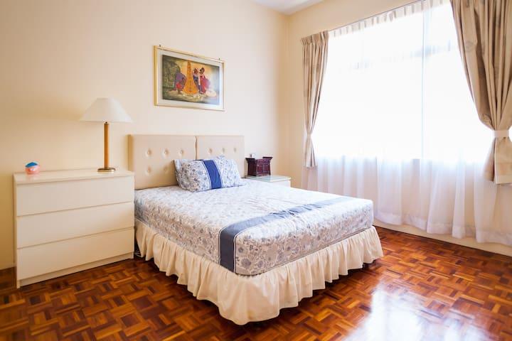 Charming private room near the sea - Batu Feringghi - House