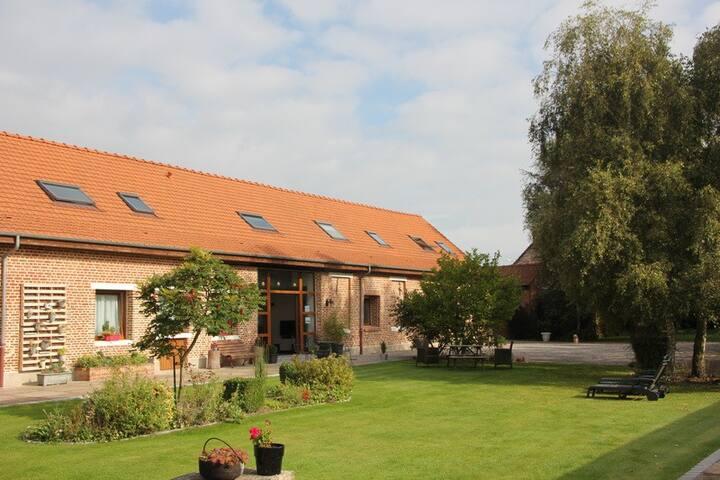 Gîte de luxe 3 chambres ( 6 +3 max ) - Steenvoorde - Casa