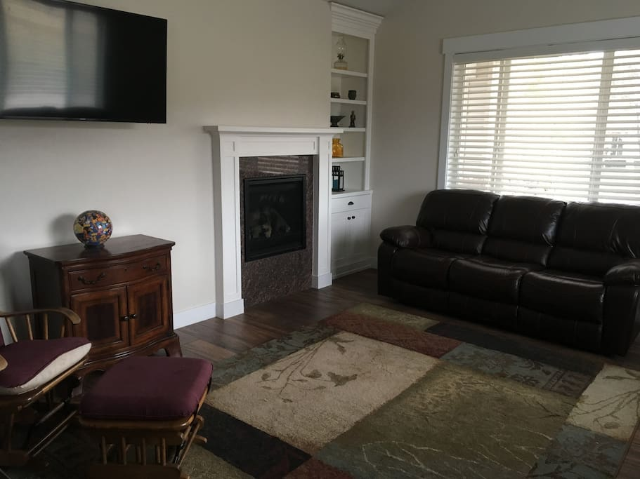 Gas fireplace. Large screen TV
