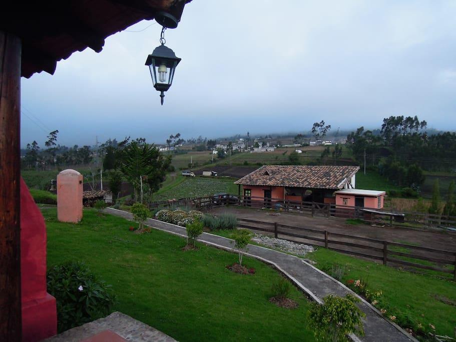 Vista de la casita desde la cabaña
