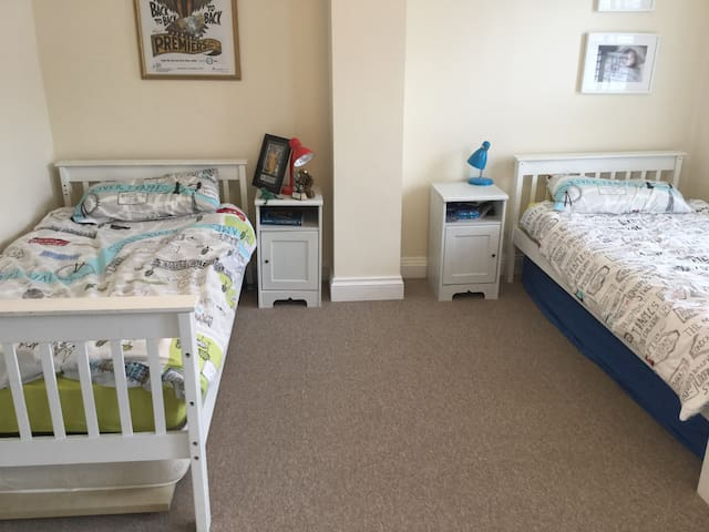2 single Beds, bedroom 2 with (2 spare mattresses)