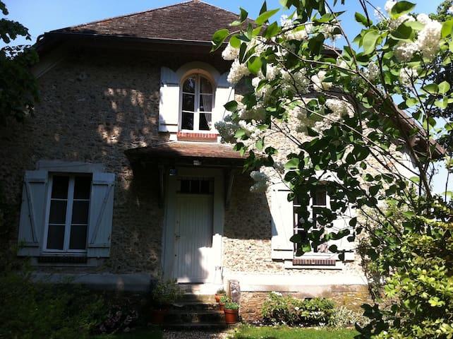 Maison ancienne a  30 Min de Paris  - Grosrouvre - Haus