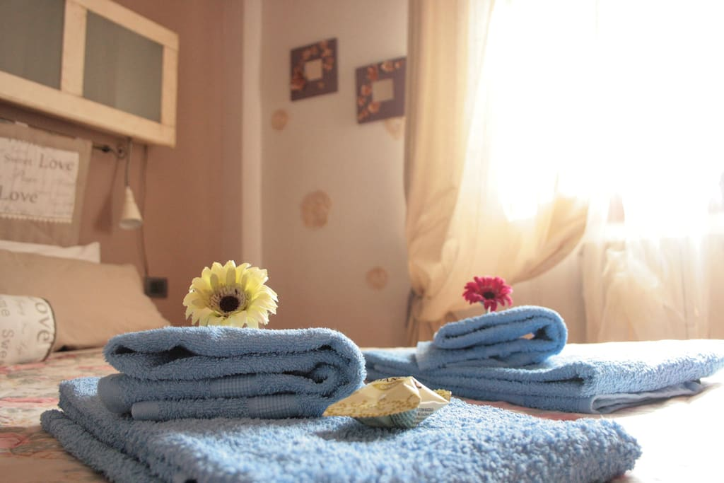 Clean sheets and towels
